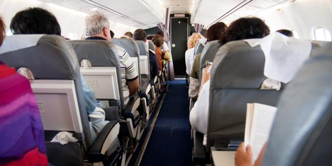 Hal Yang Perlu Anda Lakukan Ketika Naik Pesawat