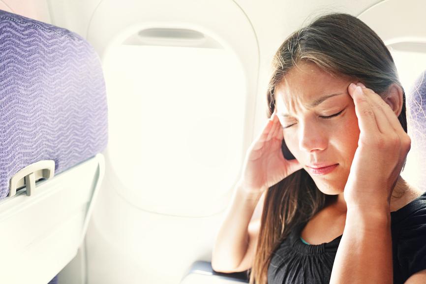 Tips Menghindari Mabuk Perjalanan Saat Naik Pesawat